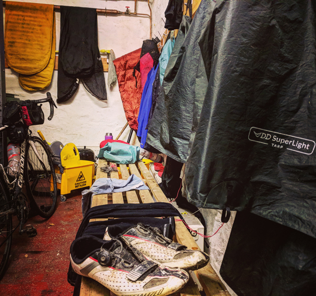 Bikepacking with DD tarp - kit room