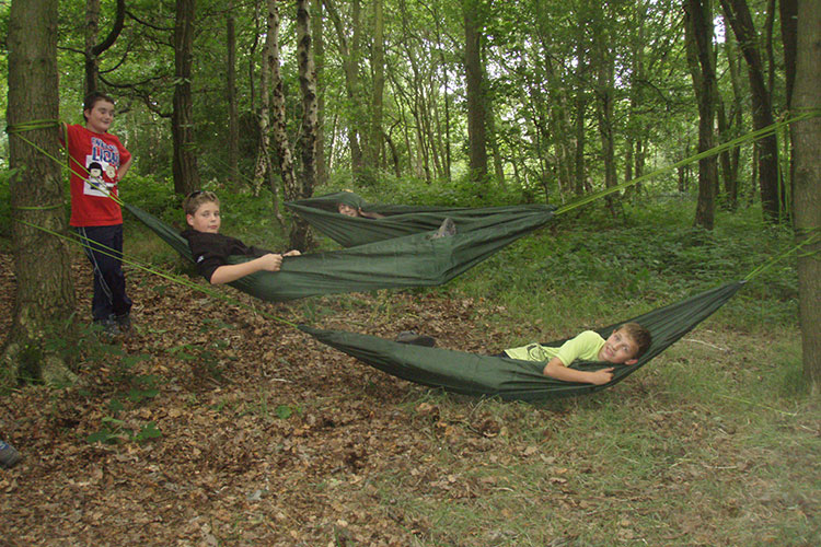 nick shared this awesome hammock rig hand crafted in just 3 hours by the somerset explorer scouts  who apparently had the seal of approval from bear grylls     dd hammocks  rh   ddhammocks