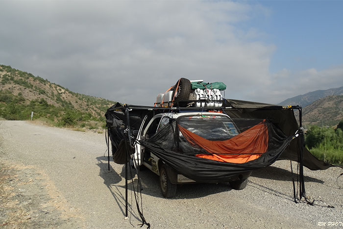 Top hat Explorers at the Mongol Rally with DD Hammocks