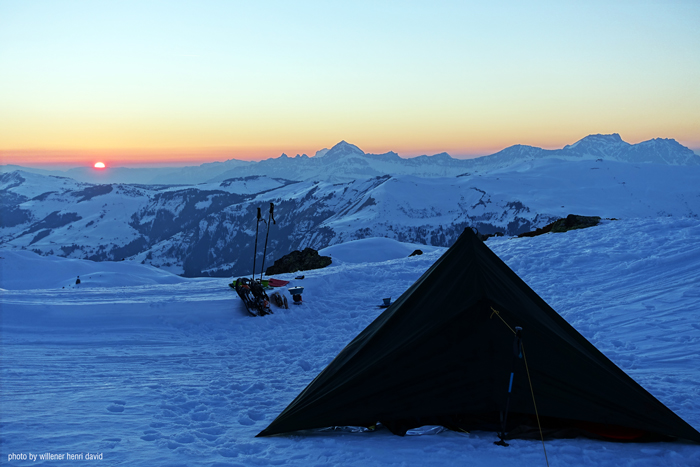 DD SuperLight Tarp on Mt Blanc at sunrise - Henri Willener