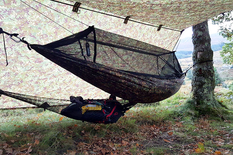 DD Frontline Hammock MC multicam with MC Tarp in the woods