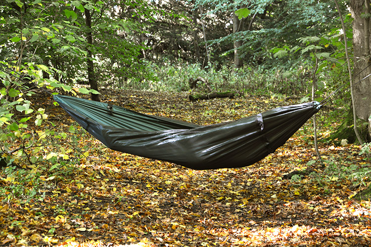DD XL Frontline Hammock used open with mosquito net underneath
