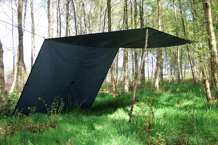 DD Tarp XL green set up in lean-to formation
