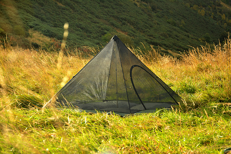 DD Superlight Pyramid Mesh Tent set up