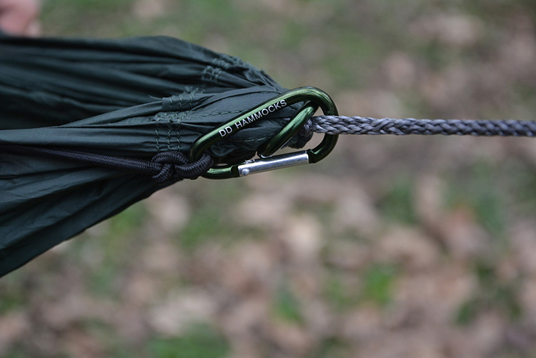 DD Underblanket - karabiners to attach to hammock
